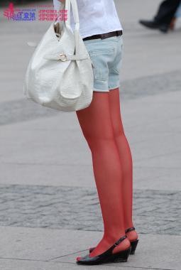 彩 丝 美 女  604-黑坡鱼嘴,短裤,香奈儿耳坠, 红丝-17pcs 街拍第一站全网原创独发!