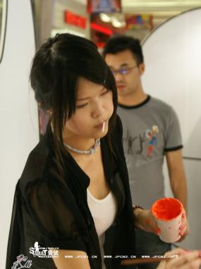 彩 丝 美 女  [小马]叼着棒棒糖的艺术家,红丝一样 ~~~[12P] 街拍第一站全网原创独发!
