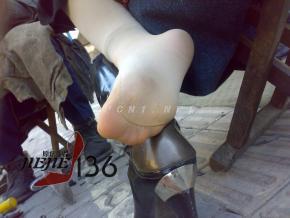 修 鞋 擦 鞋  jiejie136---修鞋肉 丝 足 特写【6P】 街拍第一站全网原创独发!