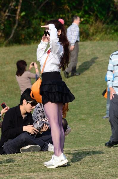 台湾街拍  MK250(39)短裙網襪[14P] 街拍第一站全网原创独发!