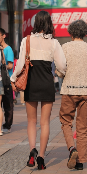 kofeezhao街拍  kofeezhao-白衬衫 黑短裤  黑 丝 [10P] 街拍第一站全网原创独发!