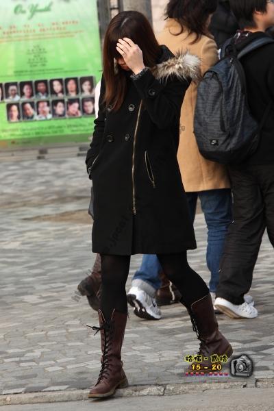 香港街拍  【1520系列 - 第二百三十九辑】 為什麼不給我拍的黑絲女 ..... (5P) 街拍第一站全网原创独发!