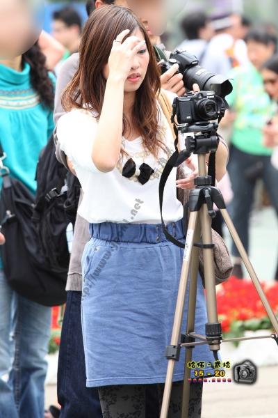 香港街拍  【1520系列 - 第二百四十三辑】 認真女攝影師 ..... (7P) 街拍第一站全网原创独发!