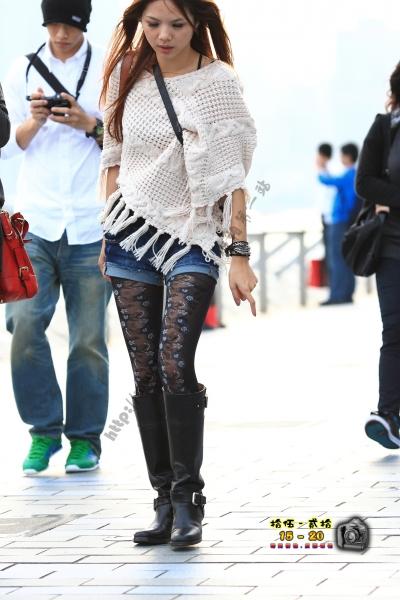 香港街拍  【1520系列 - 第二百四十八辑】 我覺得你好看 褲又好看 絲又特別 ..... (8P) 街拍第一站全网原创独发!