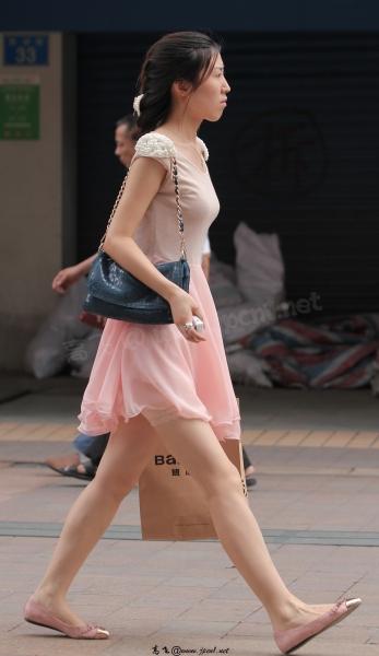 kofeezhao街拍  kofeezhao-肉色+粉红色连衣裙 防zou guang短裤 玉腿[16P] 街拍第一站全网原创独发!