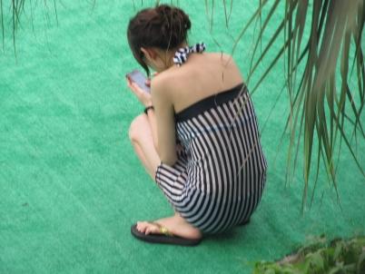 泳 装 美 女  【女大 学 生  】泳池,竖条黑白格子衣【7P】 街拍第一站全网原创独发!