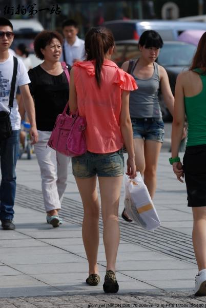 热 裤 美 女  2137-5p 街拍第一站全网原创独发!