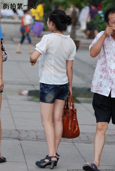 热 裤 美 女  2202-4p 街拍第一站全网原创独发!