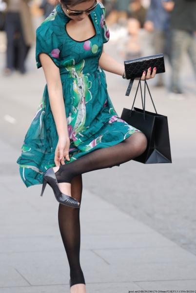 魅 丽 瞬 间  时尚美 少 妇 ,就是耍大牌1 街拍第一站全网原创独发!