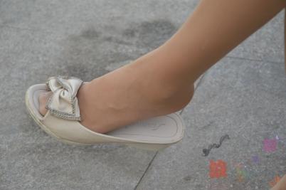 平底帆布   肉 丝 ,平底凉拖 少 妇 !【11P】 街拍第一站全网原创独发!