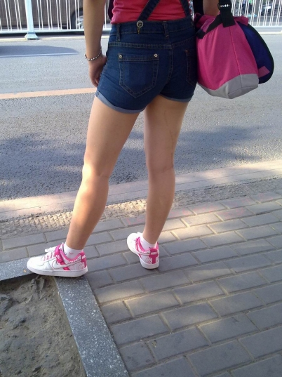 街 拍 棉 袜  手机 原创 热裤裸腿棉袜耐克板鞋MM【10P】 街拍第一站全网原创独发!