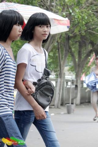 学 生 妹  【长江高清】——小妹妹很清纯啊,有好这口的吗?【7P】 街拍第一站全网原创独发!