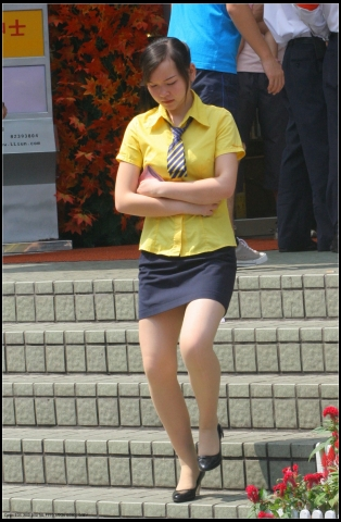 OL 制 服  黄衣OL 肉 丝 黑高妹妹................10P 街拍第一站全网原创独发!