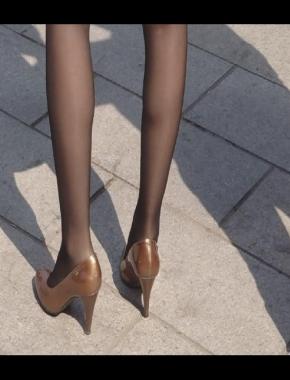 美 腿 视频  cctvb出品 棕高 黑 丝  少 妇 ,脚步匆忙! 街拍第一站全网原创独发!