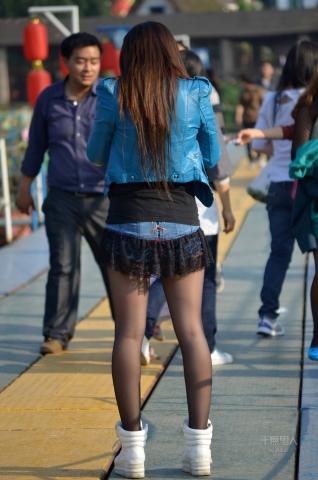 女大学生街拍  2012-577 超短 黑 丝 美XIONG 萝莉(2)【17P】 街拍第一站全网原创独发!