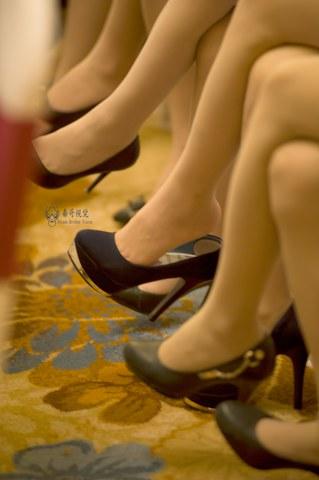 [权限要求: 月份VIP及以上]  美腿 丝 袜 高跟来开会 第四季[20P] 街拍第一站全网原创独发!