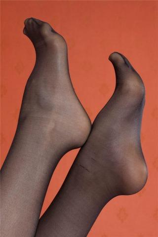 高清 足 模 系列    美 女  丝 袜 美腿诱惑[21P] 街拍第一站全网原创独发!
