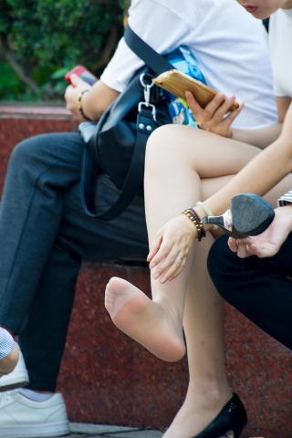 [权限要求:一年期VIP及以上]  【原创】 SHU FU 晒超薄  丝 袜 脚啦【14P】 街拍第一站全网原创独发!
