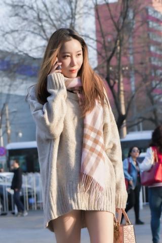 [权限要求:三年期VIP及以上]  可爱的  美 女 大冬天玩起了下衣消失 街拍第一站全网原创独发!