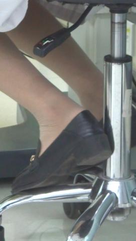 xiangzhou视频   超薄肉 丝 袜 袜平底鞋大夫 街拍第一站全网原创独发!