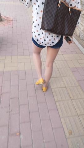 xiangzhou视频  好身材热裤 丝 袜  长腿小姐姐 街拍第一站全网原创独发!