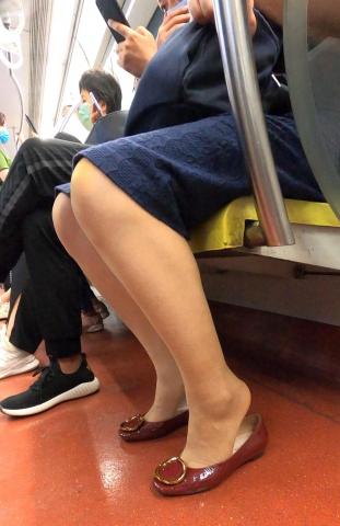 名门夜宴视频  地铁红鞋肉  丝 袜 袜玩鞋1(163) 街拍第一站全网原创独发!