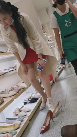 101264331视频  鞋店系列高挑美 女超薄肉 丝高跟气质试鞋4K视频4分22秒 街拍第一站全网原创独发!
