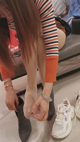101264331视频  鞋店系列长发少 妇老公陪同试鞋超薄肉 丝透肉1分42秒 街拍第一站全网原创独发!
