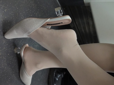 BBC视频  158 小美 女的肉 丝高跟凉拖 街拍第一站全网原创独发!