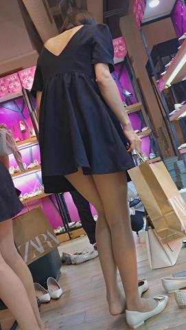 101264331视频  鞋店短发高挑黑色连衣裙肉 丝美 女试鞋两部视频 街拍第一站全网原创独发!