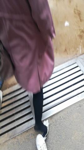 wangjunren视频  黑 丝小姐姐的脚底都踩脏了 街拍第一站全网原创独发!