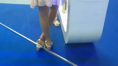 HSP视频  【HSP's video】展会鱼嘴肉 丝女玩鞋[05:58] 街拍第一站全网原创独发!