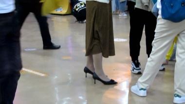 小胡视频  小胡发布-- 丝 袜长腿高跟 331 街拍第一站全网原创独发!