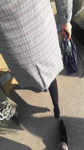 wangjunren视频  急匆匆的黑 丝小姐姐高跟鞋被踩掉了 街拍第一站全网原创独发!