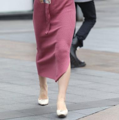 【珏一笑而过】气质红裙高跟** - 街拍图片发布- 街拍第一站