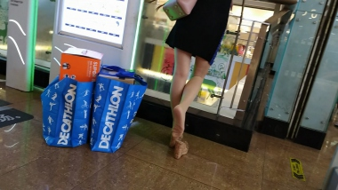 【HSP's video1080P】透明凉拖肉 丝女友玩鞋[04:12] - HSP视频- 街拍第一站