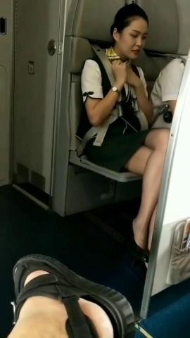 丝腿视频春秋航 空的CC感觉还不错 - 初见初心视频- 街拍第一站