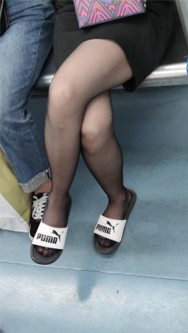 丝腿视频【醉爱作品】黑 丝** - 醉爱孤独视频- 街拍第一站