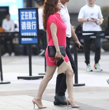【珏一笑而过】红裙高跟** - 街拍图片发布- 街拍第一站