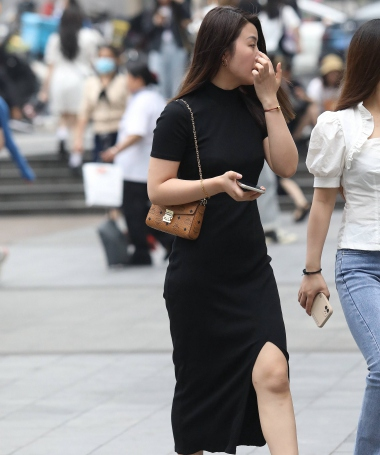 【珏一笑而过】气质黑裙高跟** - 街拍图片发布- 街拍第一站