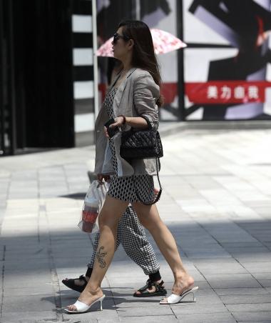 【珏一笑而过】气质短裙高跟** - 街拍图片发布- 街拍第一站