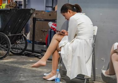 【jim2】白裙肉 丝美 女(15p) - 街拍图片发布- 街拍第一站