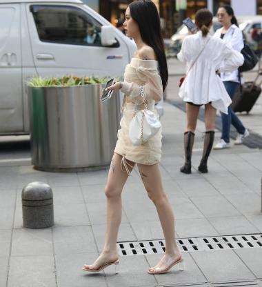 【珏一笑而过】漂亮短裙妹子 - 街拍图片发布- 街拍第一站