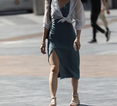 【珏一笑而过】气质开叉裙** - 街拍图片发布- 街拍第一站