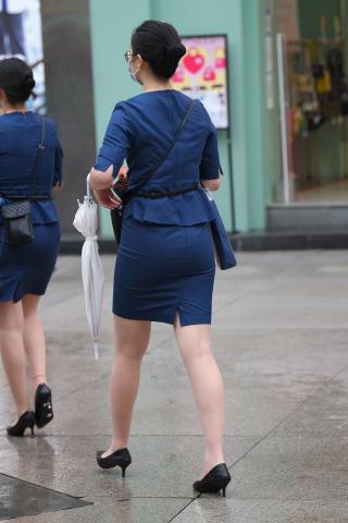 21914-2+79步行街珠宝店**员 - 街拍图片发布- 街拍第一站