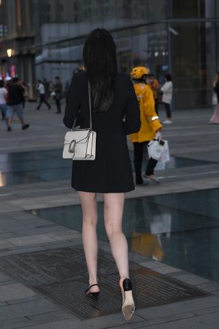 21914-1+76纤细大长腿美 女 - 街拍图片发布- 街拍第一站