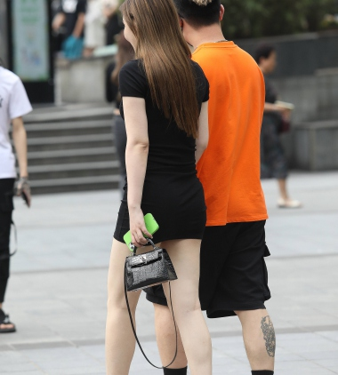 【珏一笑而过】诱惑短裙高跟** - 街拍图片发布- 街拍第一站