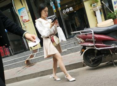 街拍精品月赛  白裙肉 丝凉高【10P】 街拍第一站全网原创独发!