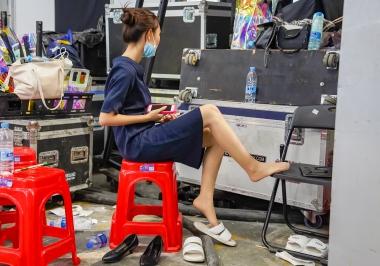 街拍图片发布  【jim2】蓝裙长腿肉 丝美 女(15p) 街拍第一站全网原创独发!