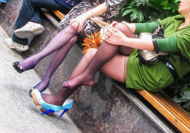 街拍图片发布  【jim2】2位长腿黑 丝美妇(15p) 街拍第一站全网原创独发!